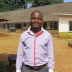 Charles Tausi ausgebildeter Radiologe, durch Adopt-a-Career Programm